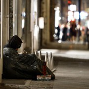 Obdachloser in Berlin: Asylbewerber sind profitabler Foto:  picture alliance / ZB