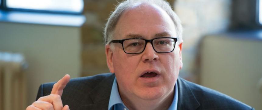 Jochen Oltmer: Kritisiert aufwendige Bürokratie Foto: dpa