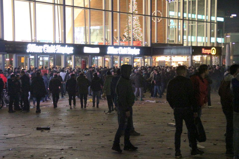 Szenen vor dem Hauptbahnhof