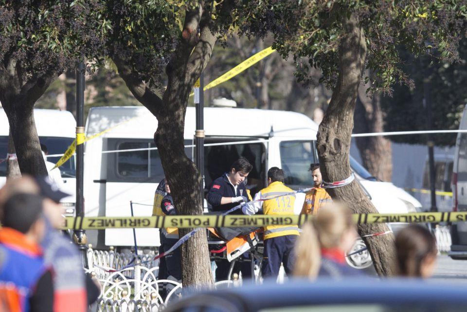 Opfer werden versorgt: