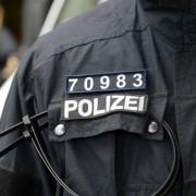 Polizisten-Kennzeichnung (Symbolbild): Kritik bei Polizeigewerkschaft Foto: dpa