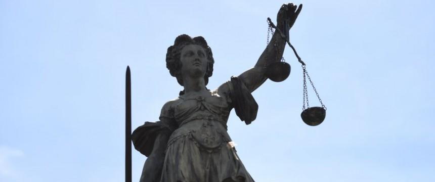Justizia: Was gelten Recht und Ordnung  noch? Foto: dpa