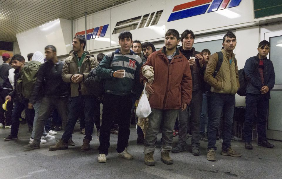 Asylbewerber kommen in Berlin an