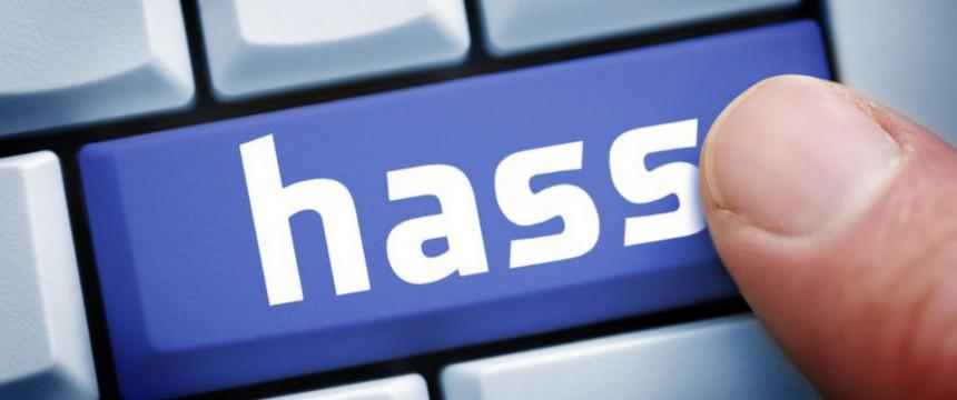 Rechner-Tastatur: Der politische Umgangston wird zunehmend rauer Foto:  picture alliance / Bildagentur-online / Ohde