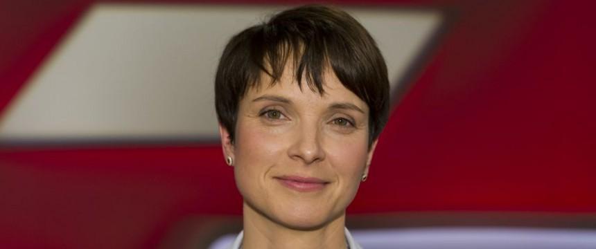 Frauke Petry: Kritisiert verschleppte Debatte zur Asylpolitik Foto:  picture alliance/Sven Simon