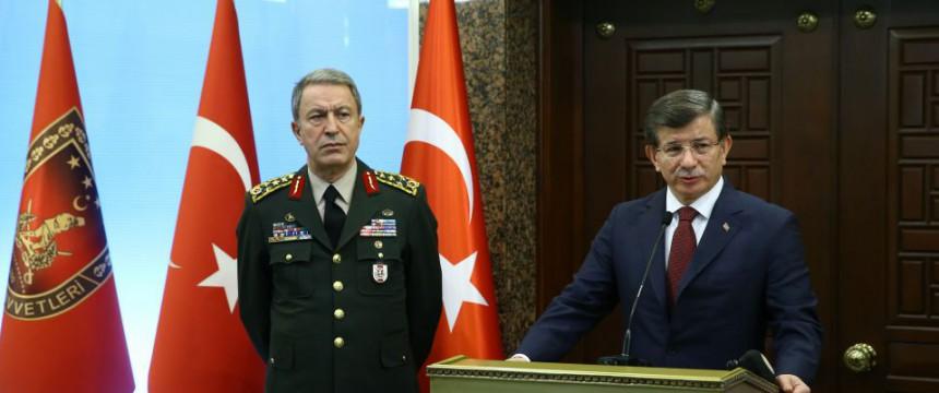 Ahmet Davutoğlu: Kündigt Vergeltung an Foto: picture alliance/AA