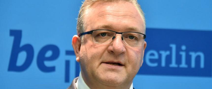 Frank Henkel (CDU): Innensenator bedroht Foto: dpa