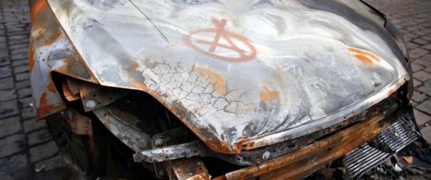 Brandanschlag in Leipzig (Archivbild): Mutmaßliche Linksextremisten vernichten Bundeswehrfahrzeuge Foto: picture alliance / dpa