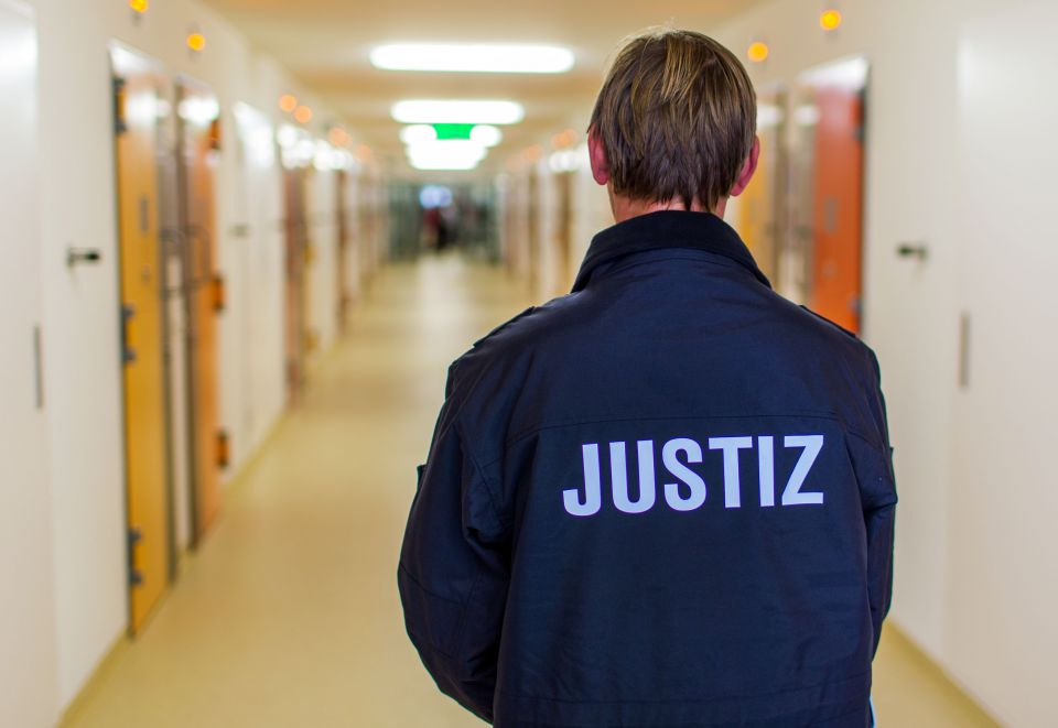 Justizvollzugsbeamter