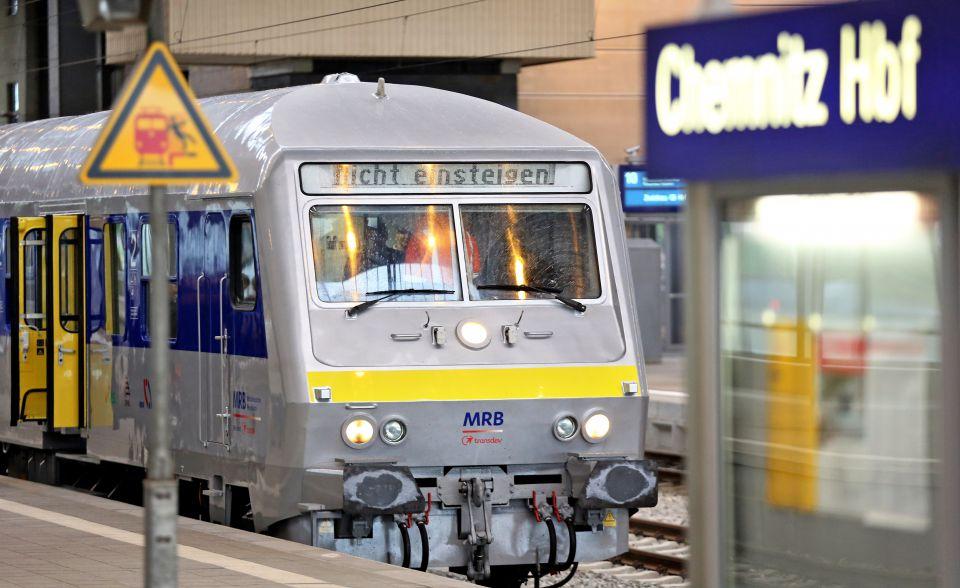 Zug der RegionalExpress-Linie RE 6
