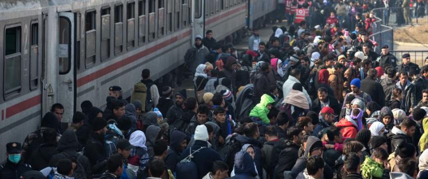 Asylsuchende auf dem Weg nach Deutschland (2015) Foto: picture alliance / PIXSELL