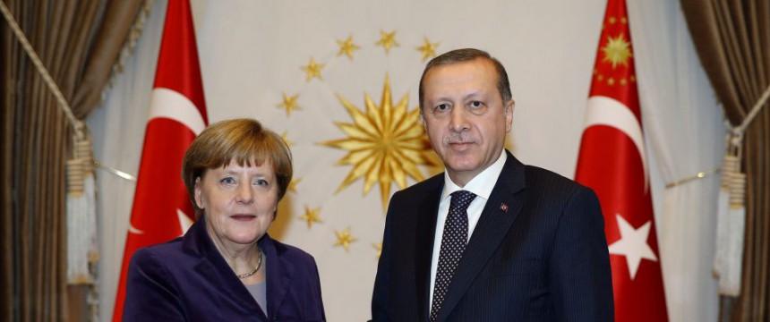 La canciller Angela Merkel durante el presidente turco, Recep Tayyip Erdogan, en Ankara Foto: picture alliance / dpa