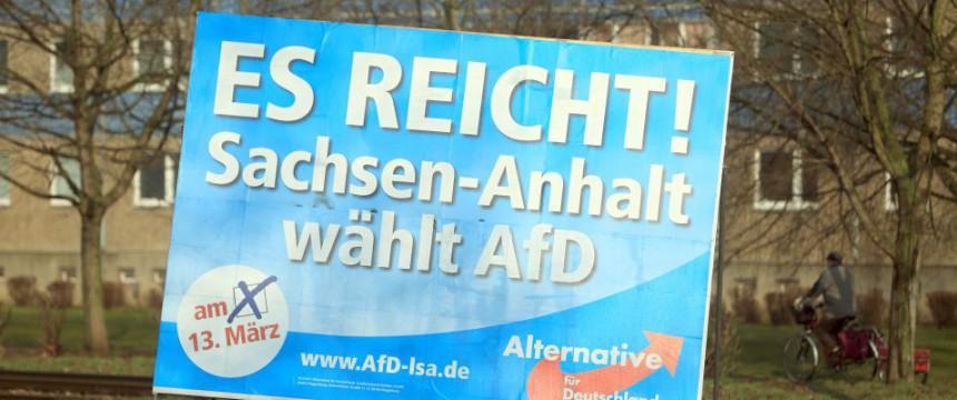 AfD-Wahlplakat: Linkspartei verliert einen Sitz Foto: dpa