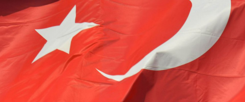 Türkische Flagge: Warnung vor zunehmendem Rassismus in Deutschland Foto: picture alliance/Winfried Rothermel