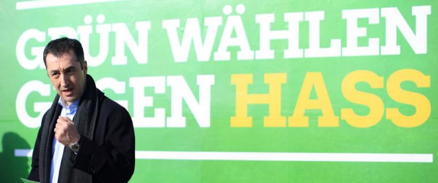 Grünen-Chef Cem Özdemir geht auf Distanz zu Volker Beck Foto: pictrue alliance/dpa