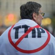 Anti-TTIP-Protest: Foto: Aushöhlung von Gesundheitsstandards befürchtet picture alliance / dpa