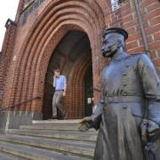 Rathaus Köpenick: Draußen der Hauptmann, drinnen das Kulturamt Foto: picture alliance/Bildagentur-online