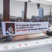Transparent vor dem Palais des Nations in Genf Foto:  picture alliance/dpa