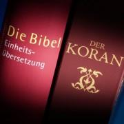 Bibel und Koran: Christliche Geistliche fungieren als Islam-Lobbyisten Foto: picture alliance/dpa