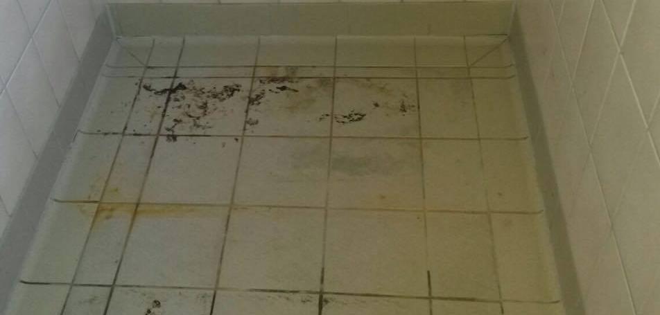 Verdreckte Dusche