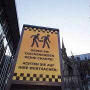Warnung vor Taschendiebstahl in Köln: Kapitulation des Staates Foto: picture alliance / Geisler-Fotopress