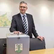 """Andreas Glarner (SVP): Bezeichnet den Urnenentscheid als """"Etappensieg"""" Foto: (c) dpa"""