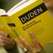 Duden: Deutsch soll in der EU nicht benachteiligt werden Foto: dpa