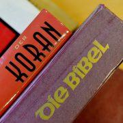 Koran und Bibel: EKD geht auf Distanz zu Luther Foto: picture alliance/Frank May