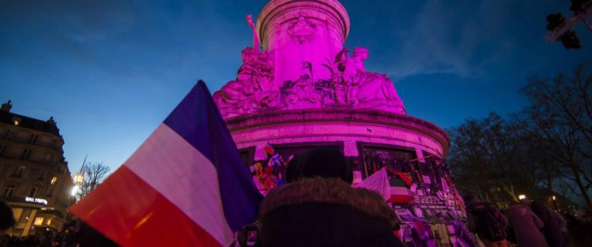 Paris: Bewohner gedenken Opfer muslimischen Terrors Foto: dpa