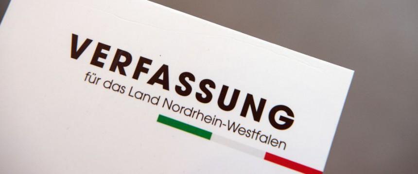 Landesverfassung: Dem deutschen Volk nicht mehr verpflichtet Foto: dpa