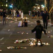 Kerzen am Anschlagsort: Islam und offene Gesellschaft unvereinbar Foto: dpa