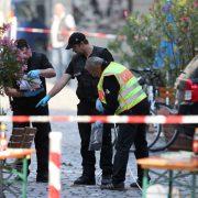 Ansbach: Ermittler am Tatort Foto: dpa