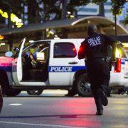Bei einer Demonstration gegen angebliche Polizeigewalt sind in Dallas vier Polizisten erschossen worden Foto: picture alliance/dpa