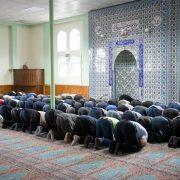 Muslime beim Gebet in Stuttgart Foto: picture alliance/dpa