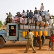 Lastwagen in Niger (Archiv): Bevölkerungsexplosion Foto: picture-alliance/ ZB