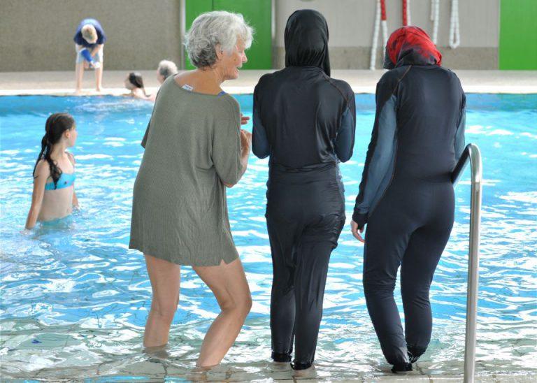 Frauen mit Burkinis (Symbolbild)