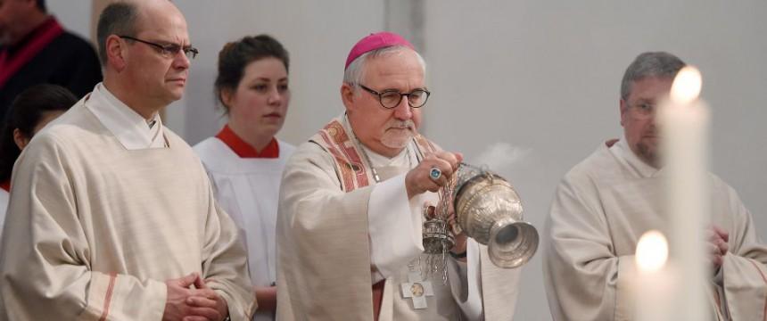 Messe in Rottenburg: Immer weniger Priesterweihen in Deutschland Foto: picture alliance /Pressefoto ULMER/Markus Ulmer