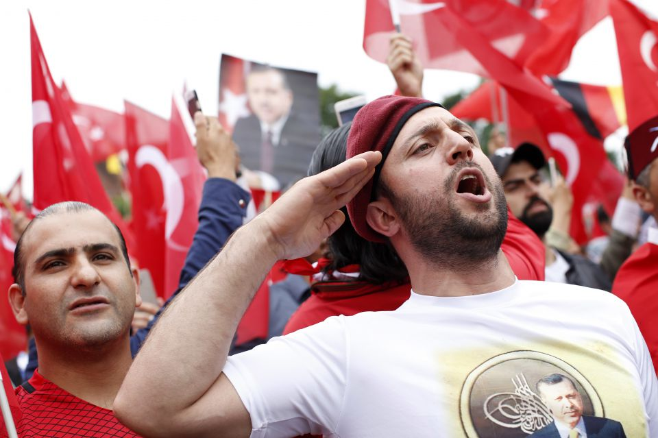 Erdogan-Fanboys