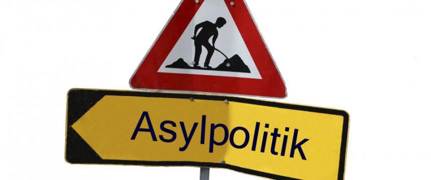 Baustelle Asylpolitik: Die Zahl der ausreisepflichtigen Asylsuchenden wächst Foto: picture alliance