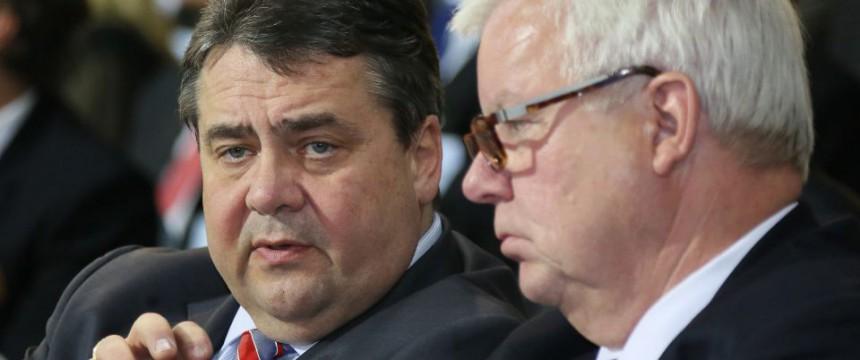 Sigmar Gabriel (SPD) und Michael Fuchs (CDU) Foto: picture alliance / dpa