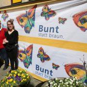 Banner vor der Villa Kunterbündnis in Güstrow (Mecklenbug-Vorpommern), 2015: Die Wirkung ist alles andere als harmlos Foto: picture alliance / dpa