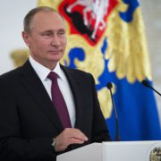 Vladimir Putin: Seine Partei erhielt die absolute Mehrheit Foto: picture alliance / AP Images