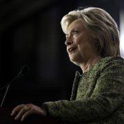 Hillary Clinton: Rätselraten nach Schwächeanfall Foto: picture alliance / AP Images