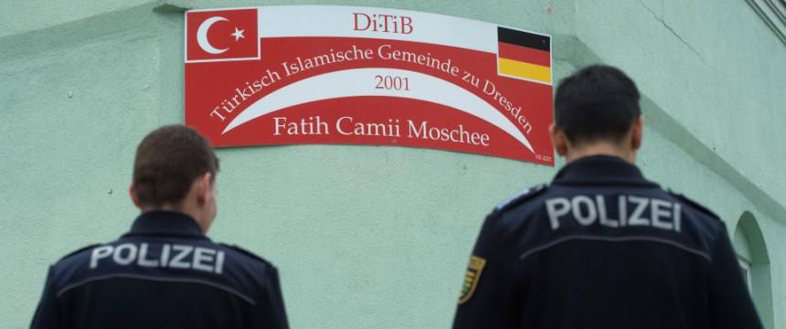 Fatih Moschee: Vorstand soll Fotos geschossen haben Foto: dpa