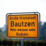 Ortseingangsschild von Bautzen: übliche Reflexe Foto: picture alliance/dpa