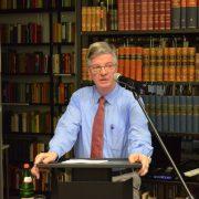 Der Historiker Karlheinz Weißmann bei der Buchvorstellung in der BdK: Deutschland vor der Entscheidung Foto: BdK
