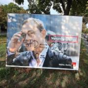 Beschmiertes SPD-Wahlplakat in Berlin Foto: picture alliance/dpa