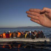 Einwanderer vor der griechischen Insel Lesbos Foto: picture alliance / AP Photo