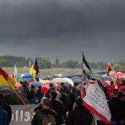 Pegida-Anhänger am Tag der Einheit in Dresden: Empörung über Entmündigung des Bürgers Foto:     picture alliance / dpa