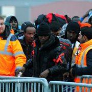 Calais: Tausende Sicherheitskräfte sind bei der Räumung des Lagers erforderlich Foto: picture alliance / dpa